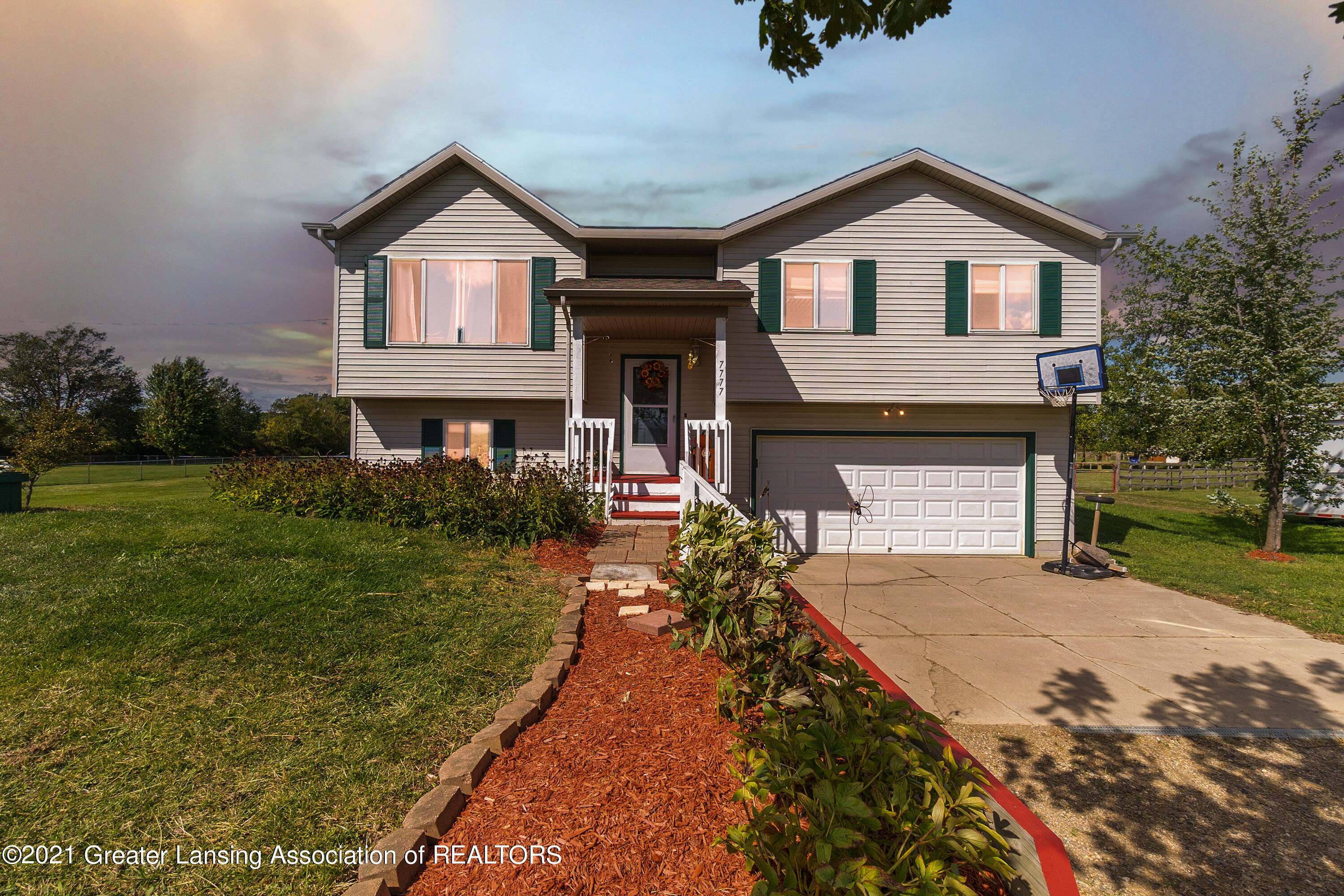 7777 E Welter Road Property Photo