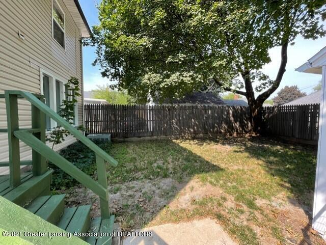 1314 W Barnes Avenue Property Photo 2