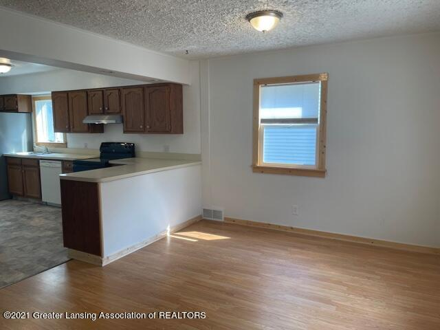 1314 W Barnes Avenue Property Photo 7