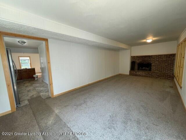 1314 W Barnes Avenue Property Photo 14