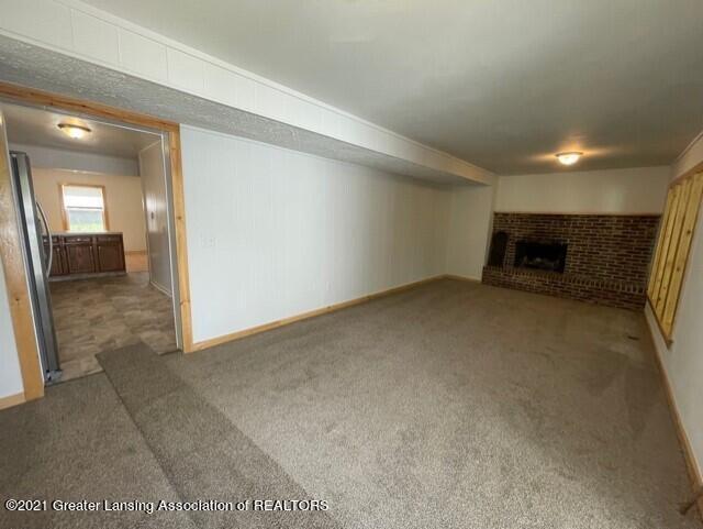 1314 W Barnes Avenue Property Photo 17