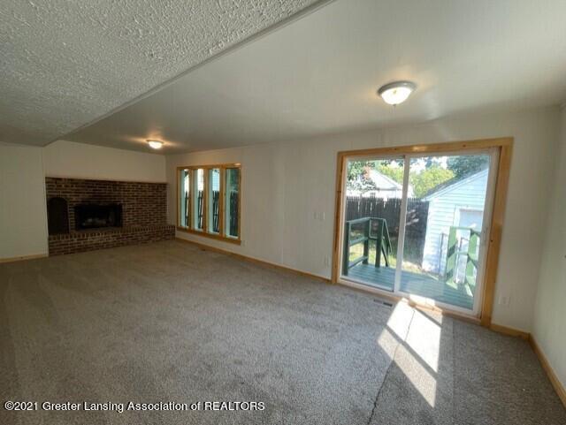 1314 W Barnes Avenue Property Photo 19