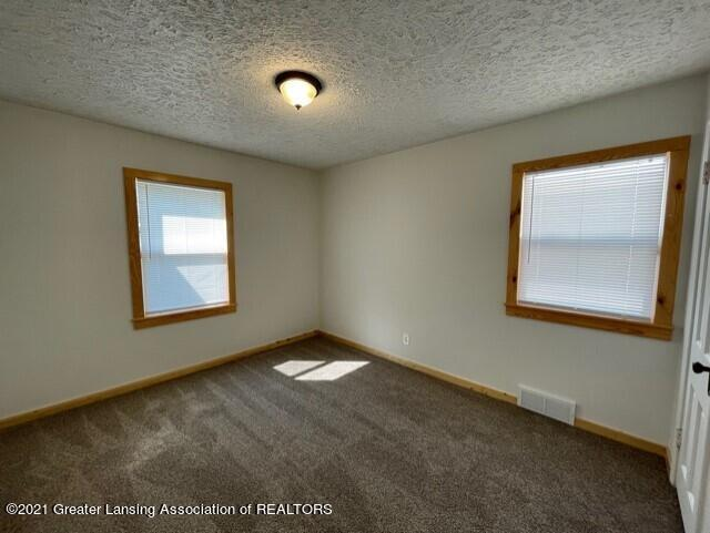 1314 W Barnes Avenue Property Photo 21