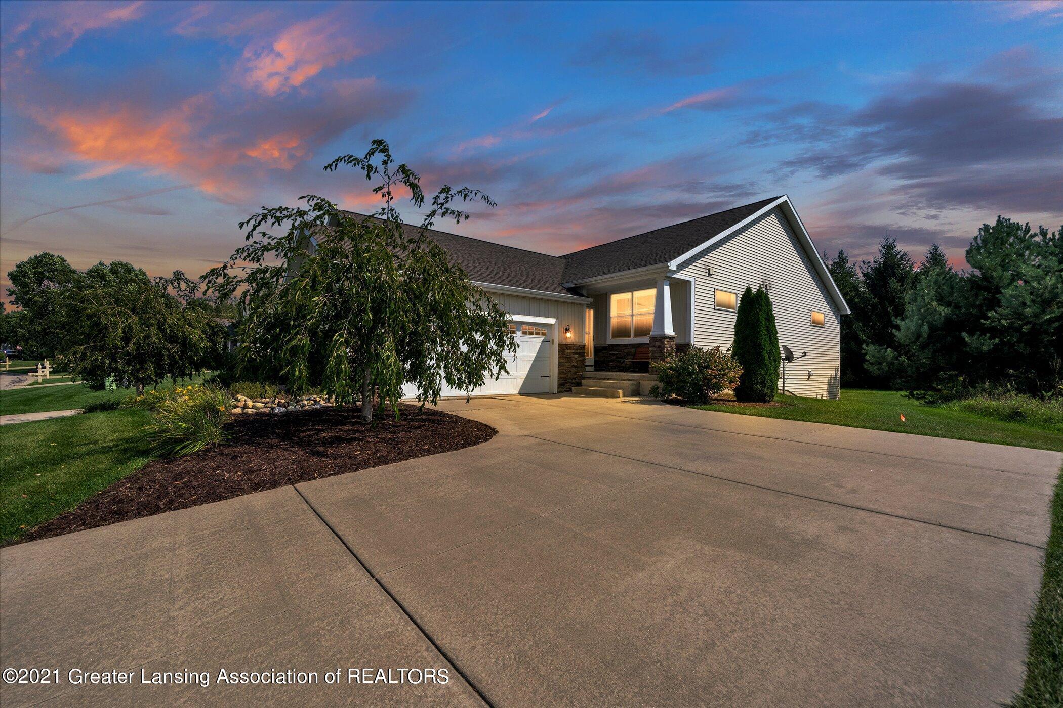 5177 E Hawk Hollow Drive Property Photo