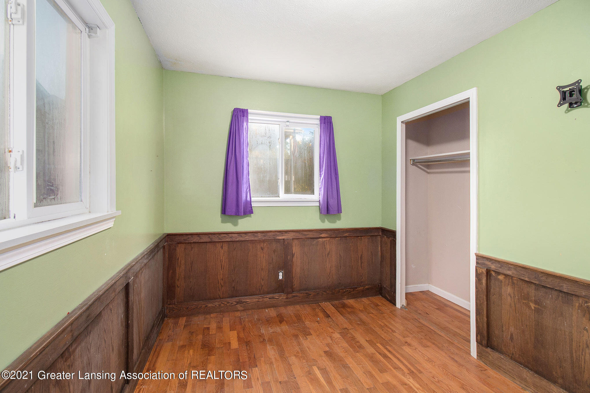 4906 Ingham Street Property Photo 13