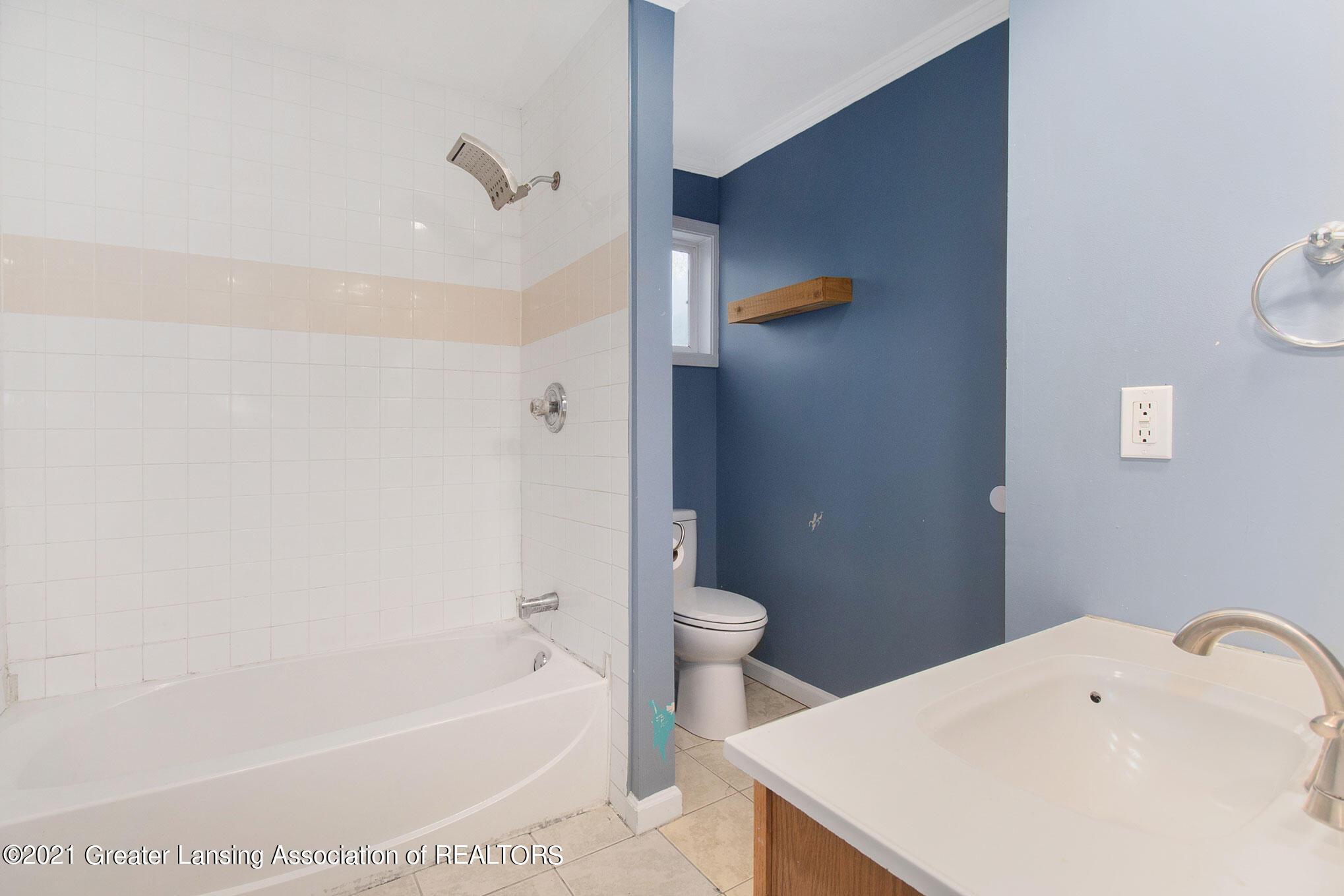 4906 Ingham Street Property Photo 14