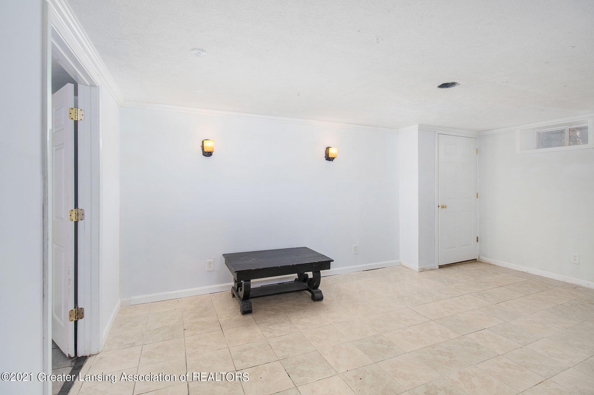 4906 Ingham Street Property Photo 16