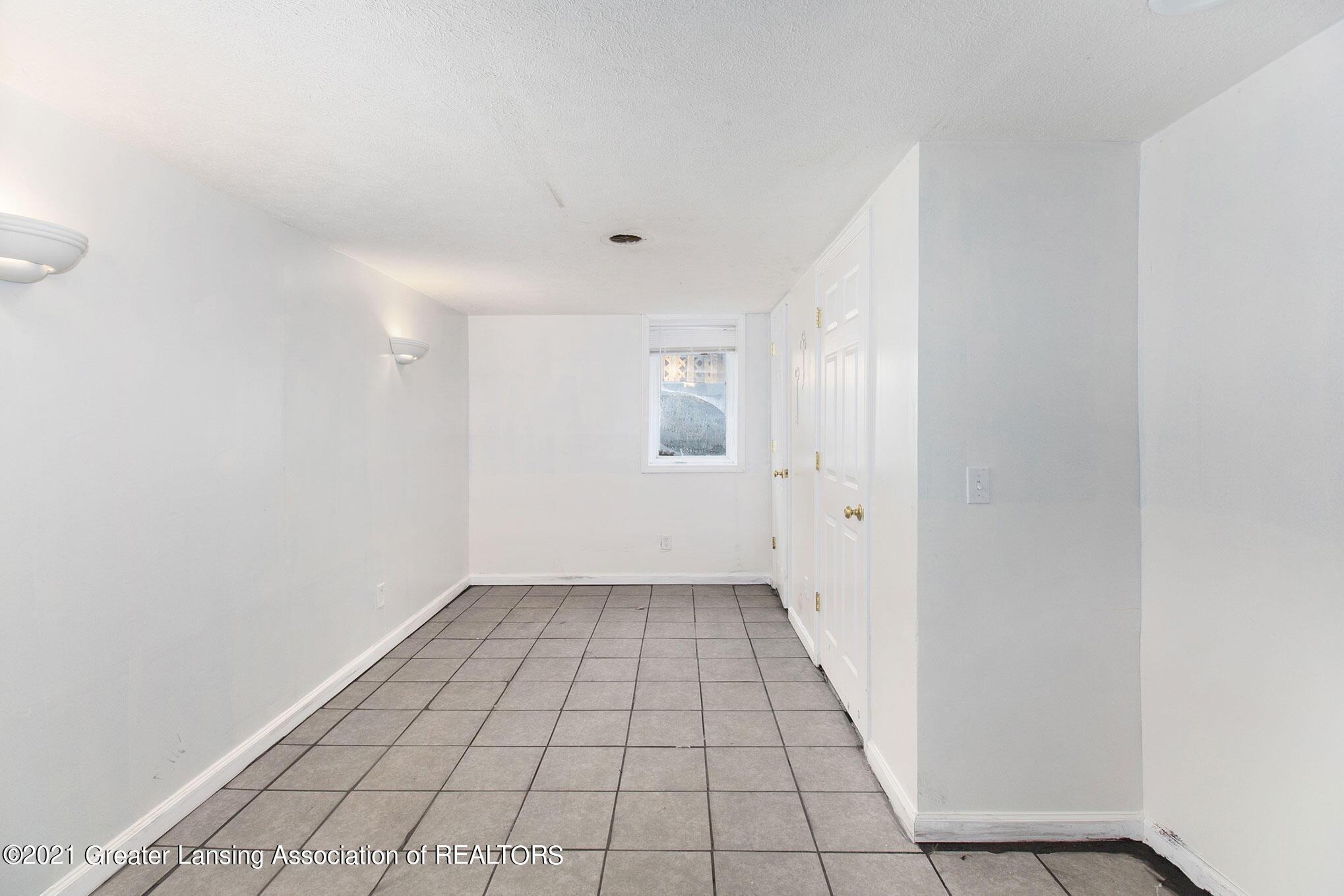 4906 Ingham Street Property Photo 18