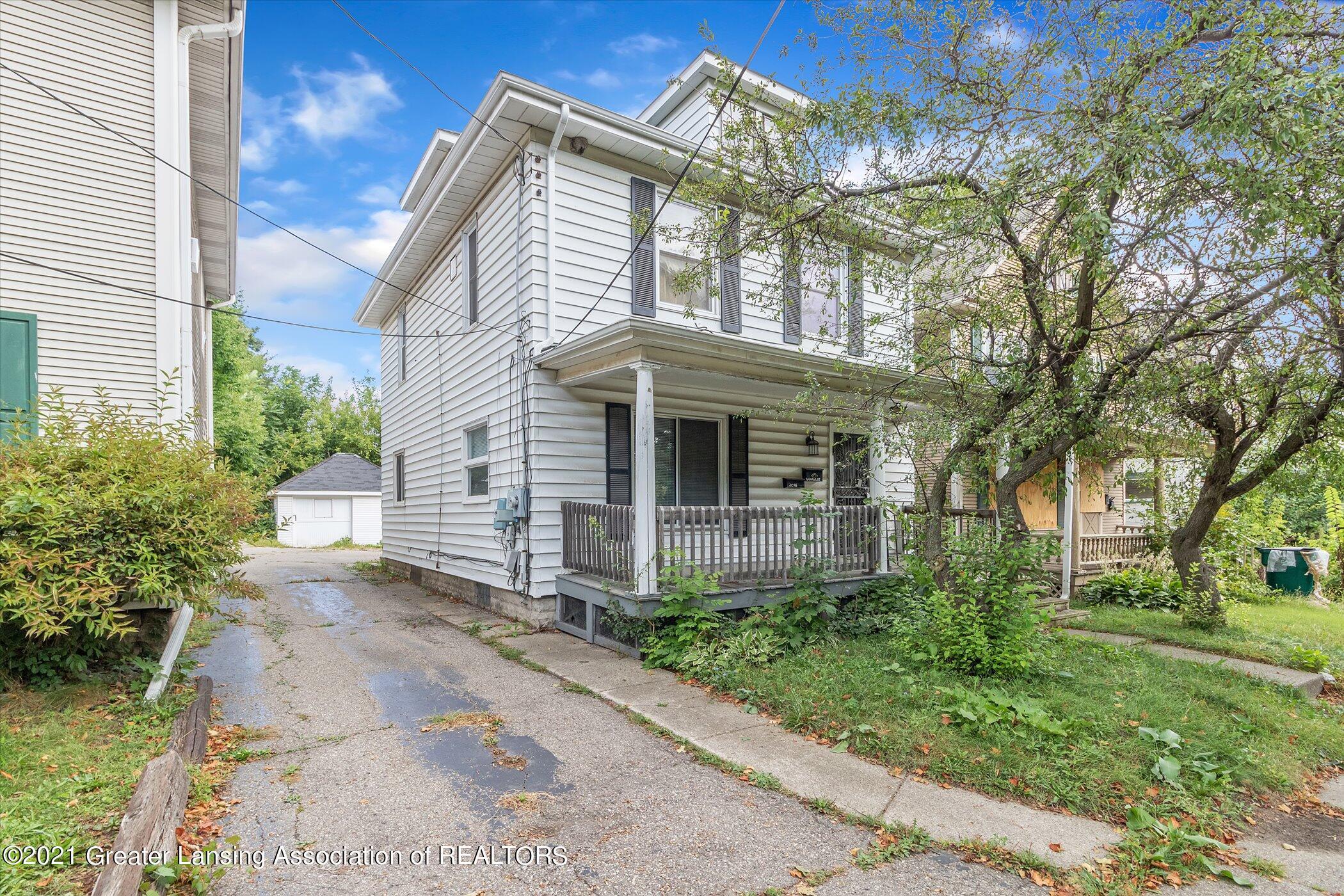 317 E St Joseph Street Property Photo