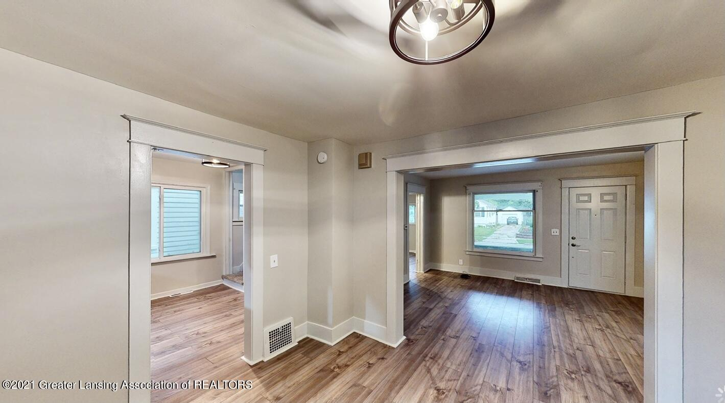 507 N Clemens Avenue Property Photo