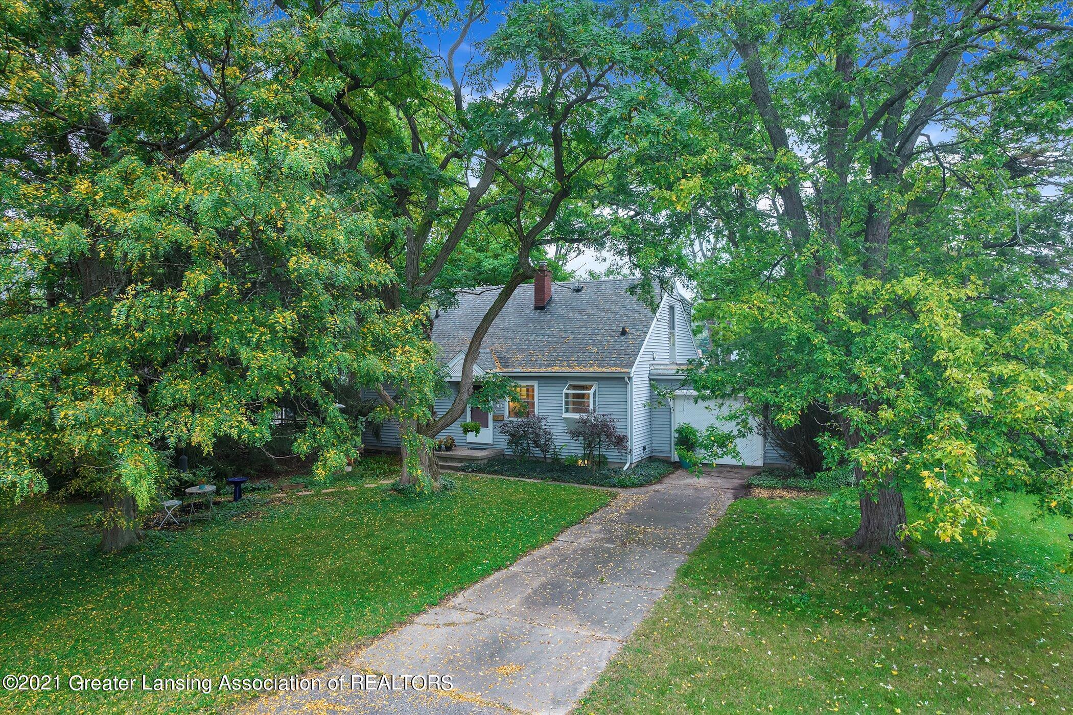 2746 Roseland Avenue Property Photo 1