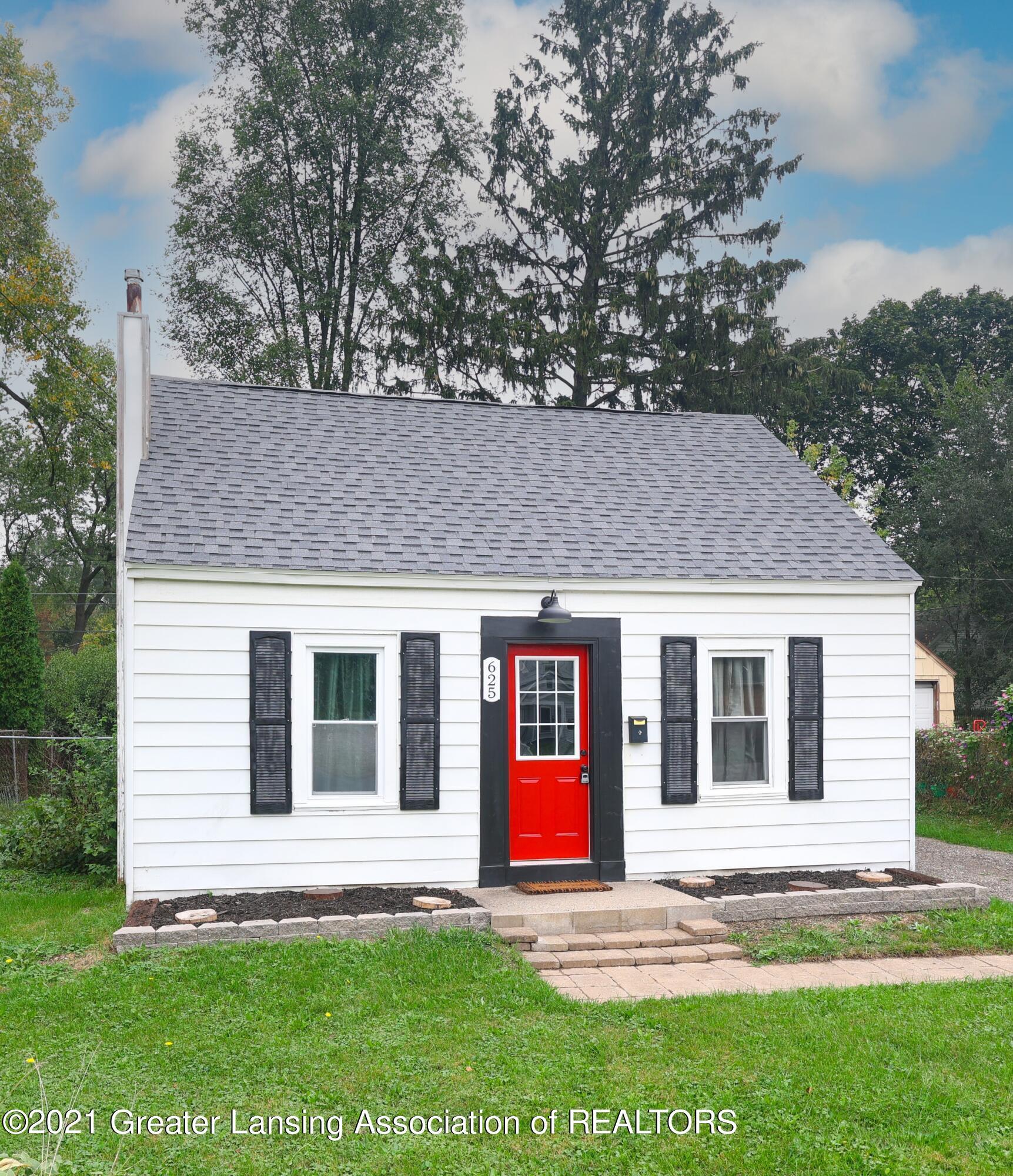 625 E Cavanaugh Road Property Photo 1