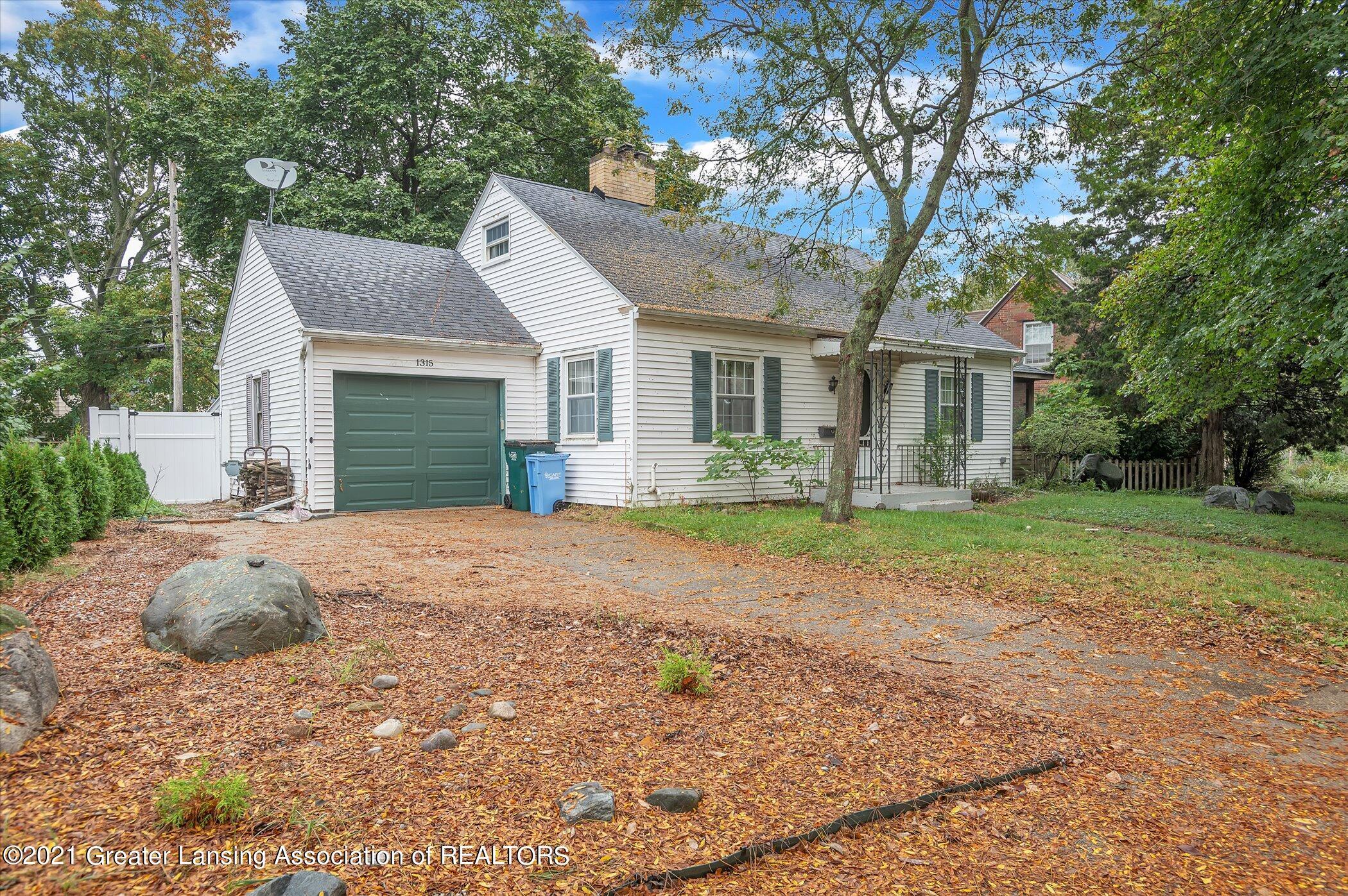 1315 Pershing Drive Property Photo