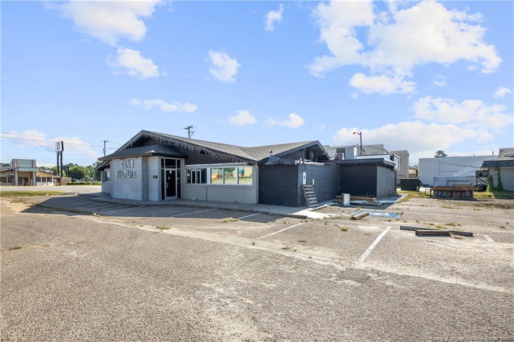 2835 Bragg Boulevard Property Photo