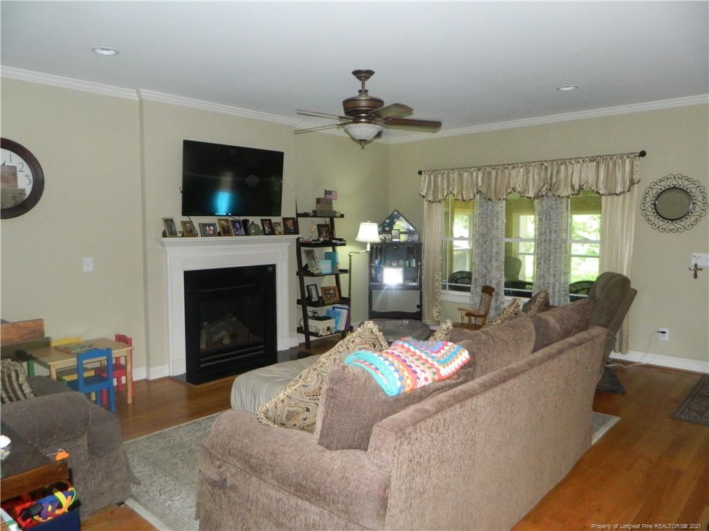 160 Ridgestone Drive Property Photo 4