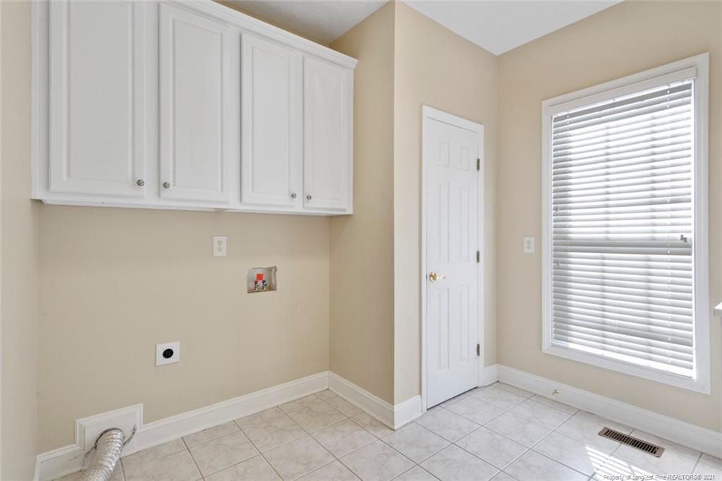 4200 Ferncreek Drive Property Photo 24