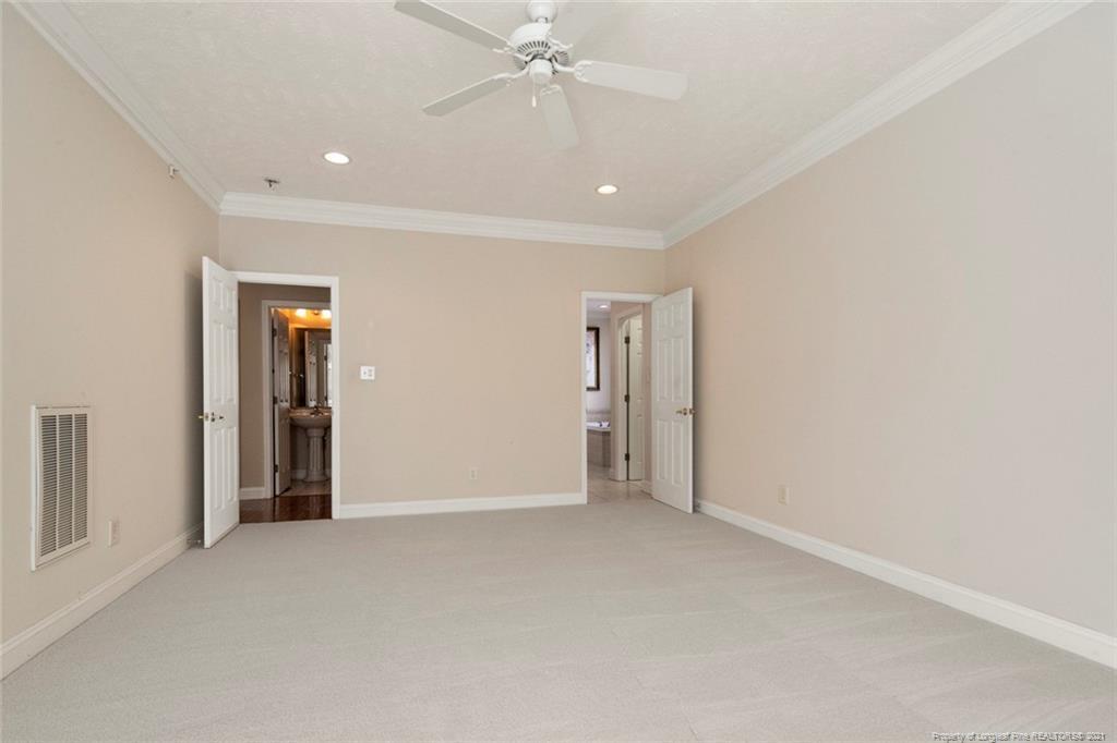 4200 Ferncreek Drive Property Photo 27