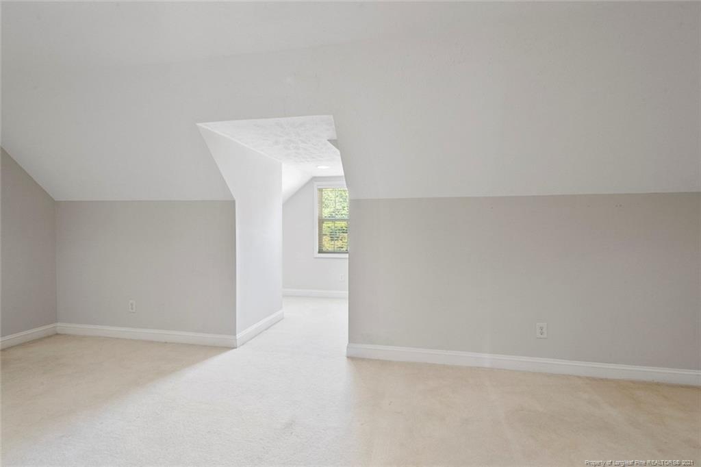 4200 Ferncreek Drive Property Photo 33