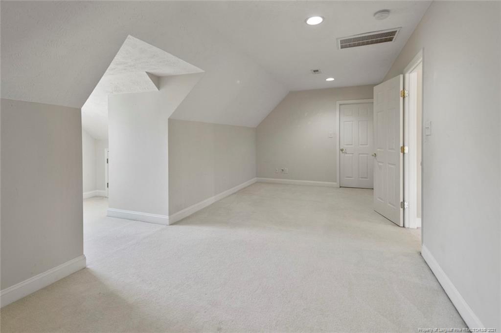 4200 Ferncreek Drive Property Photo 34