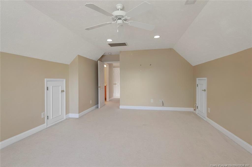 4200 Ferncreek Drive Property Photo 45
