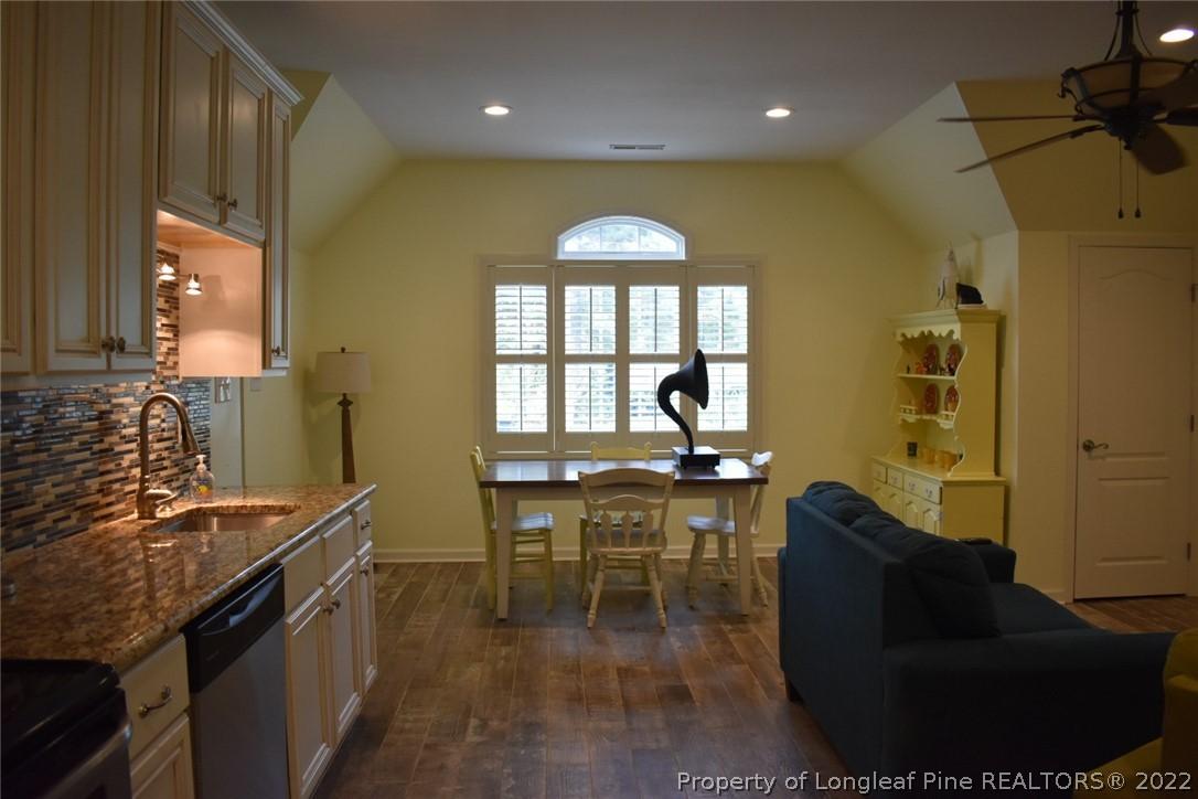404 Overlake Drive Property Photo 32