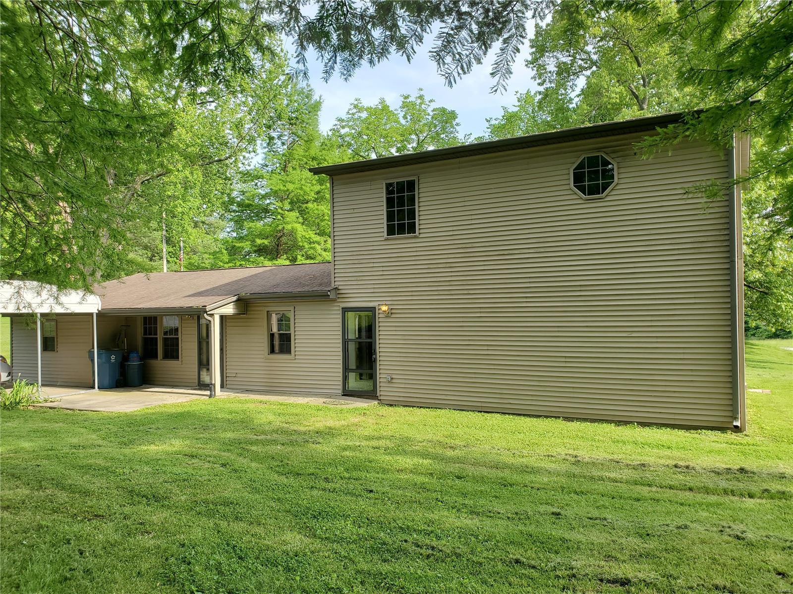 820 Old Hwy 51 N Property Photo 1