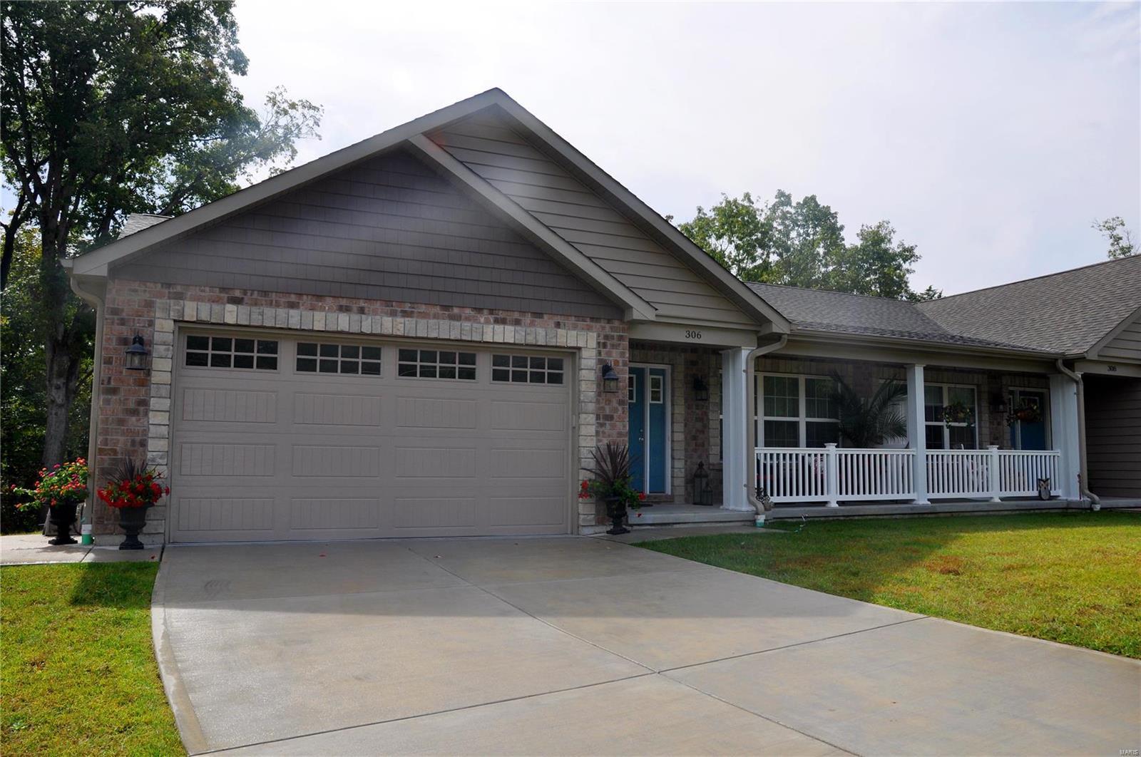 310 Anthony Circle Property Photo 1