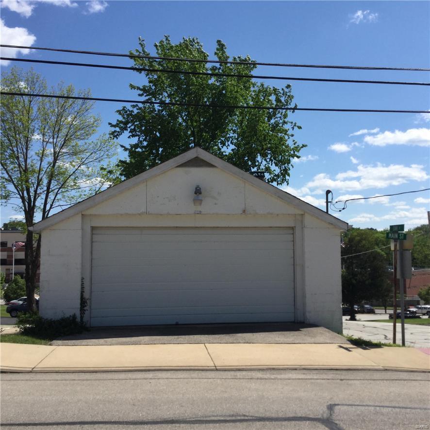 480 Main Street Property Photo