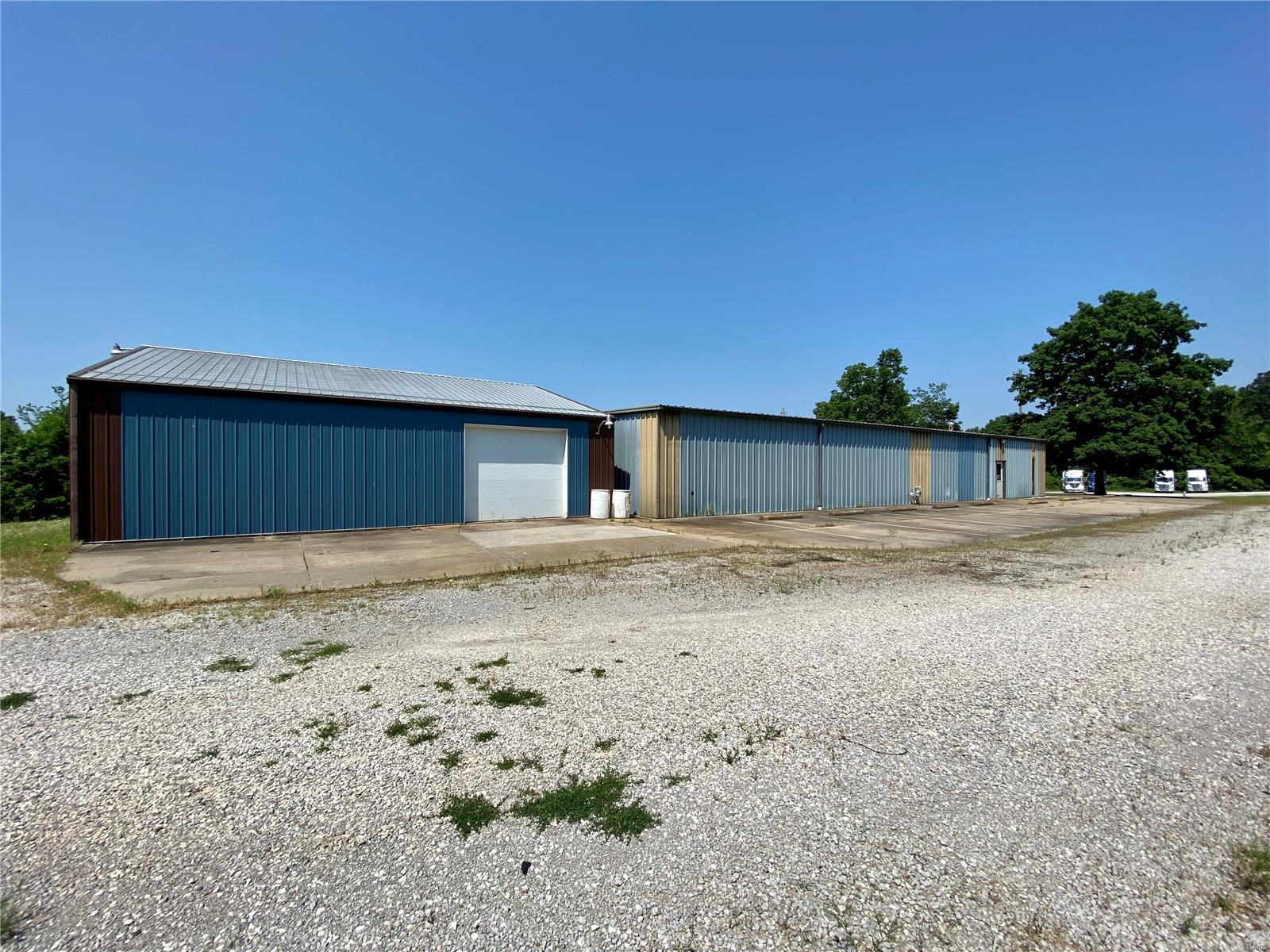 612 Industrial Drive Property Photo 5