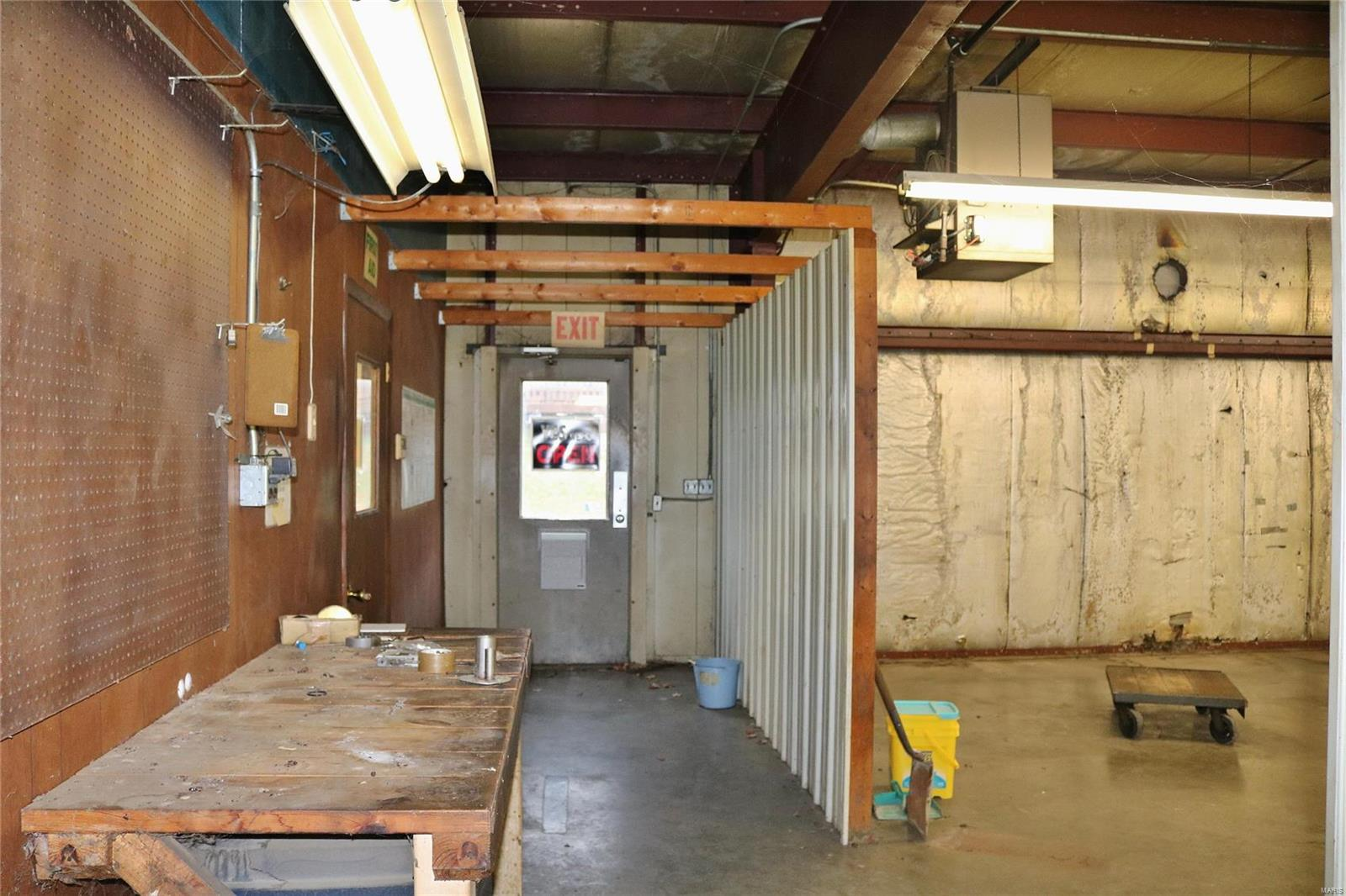 612 Industrial Drive Property Photo 17