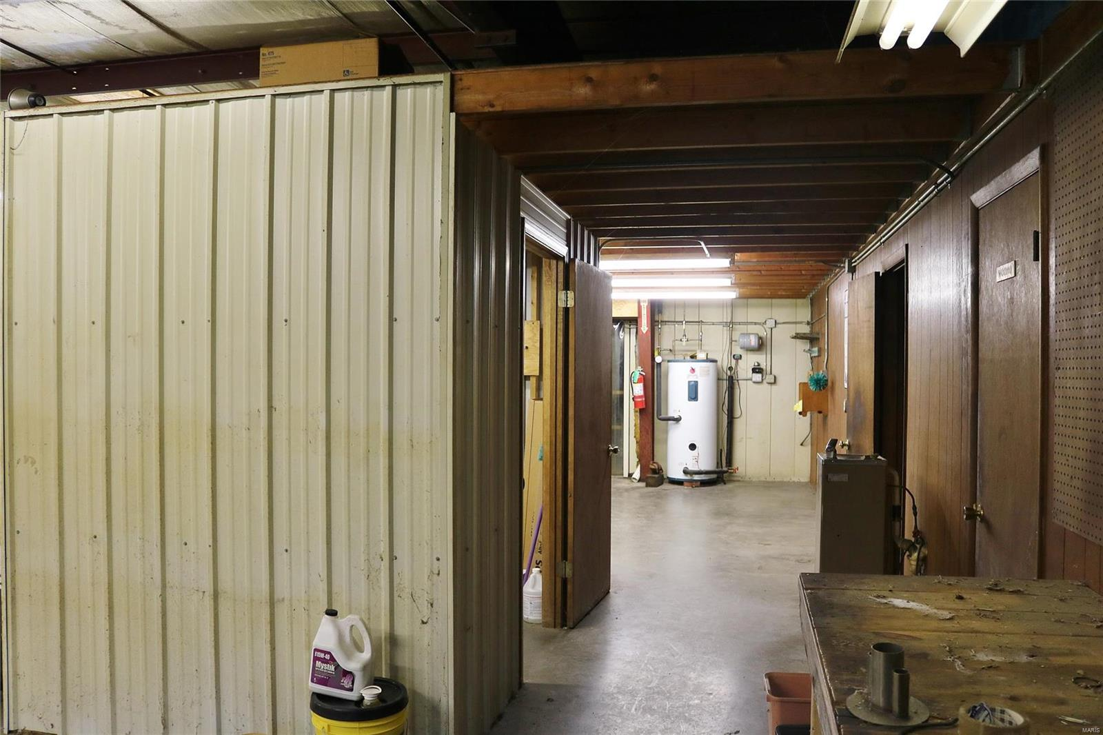 612 Industrial Drive Property Photo 19
