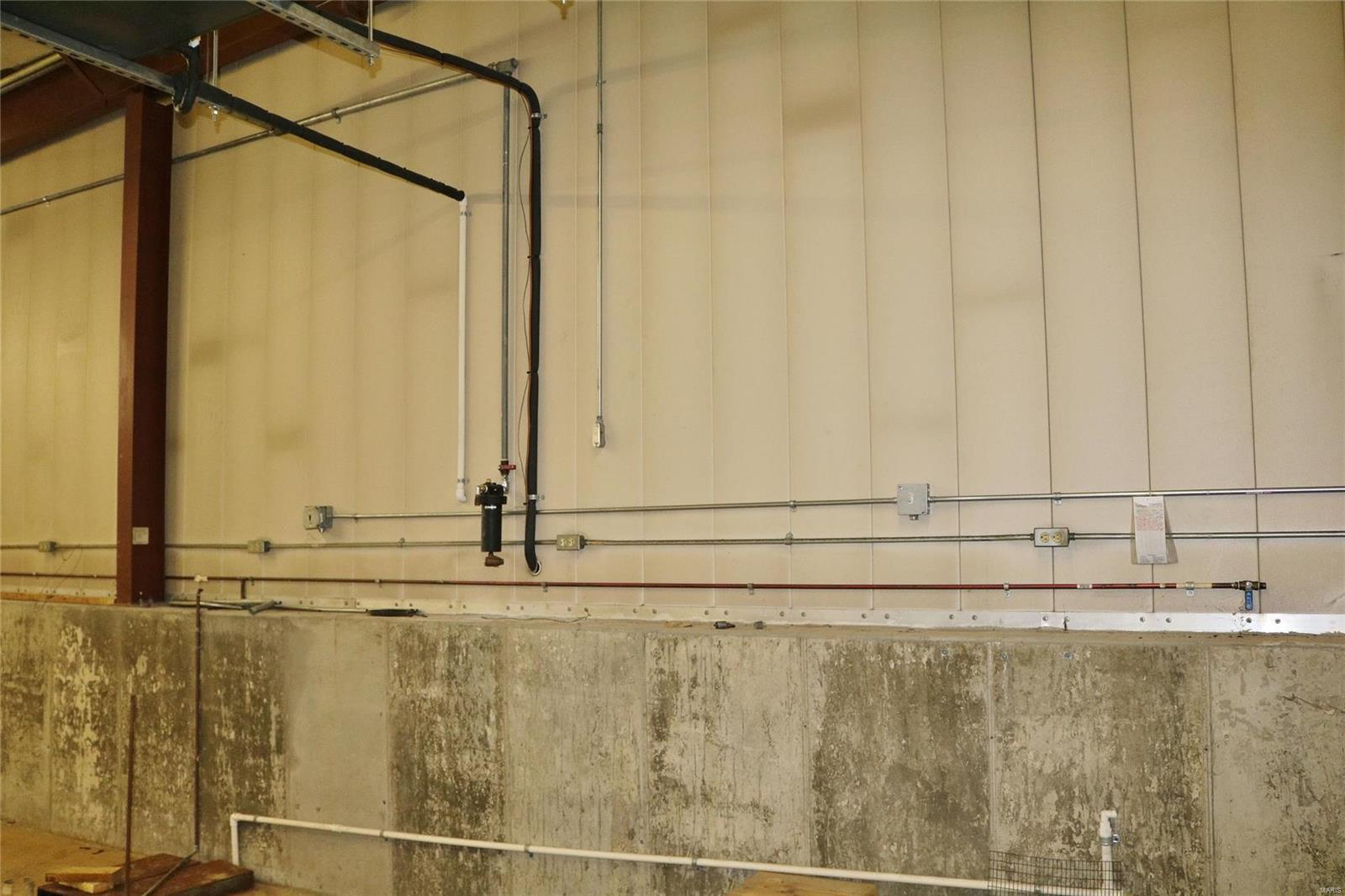 612 Industrial Drive Property Photo 26
