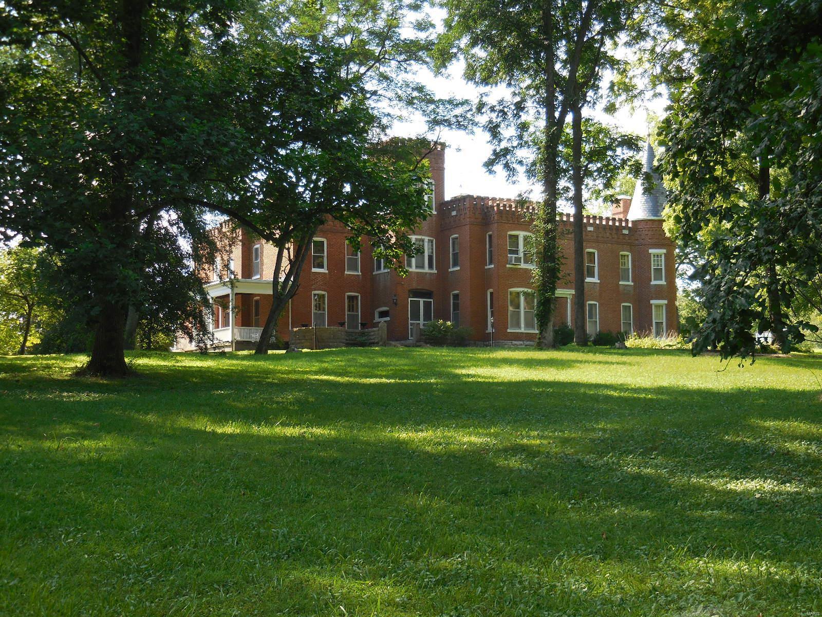 898 Elmwood Lane Property Photo 10