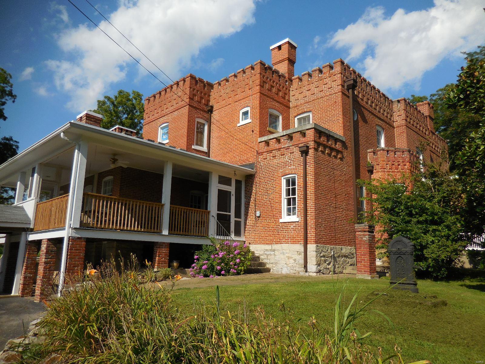 898 Elmwood Lane Property Photo 13