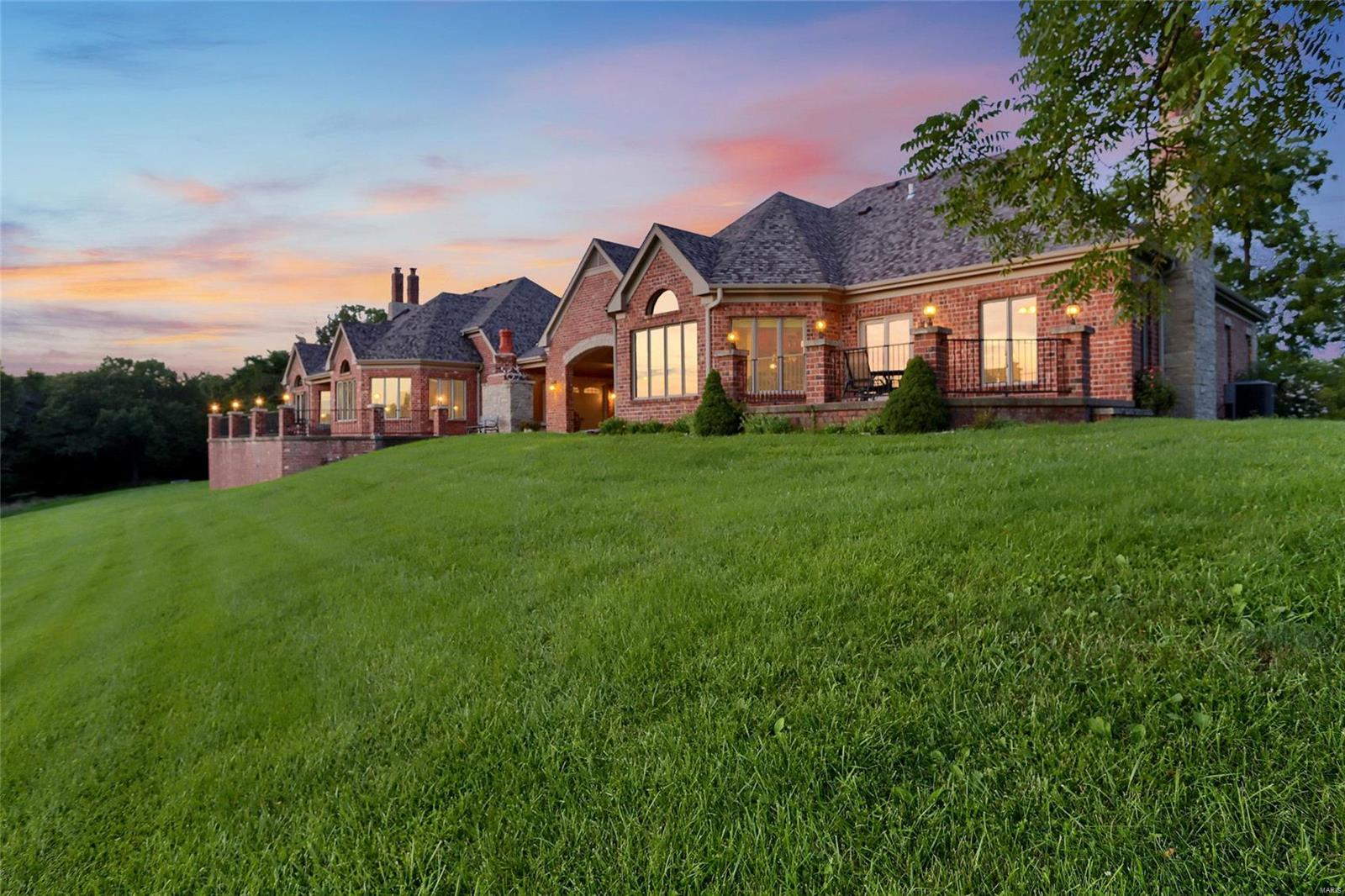 665 Forest Ridge Lane Property Photo 3