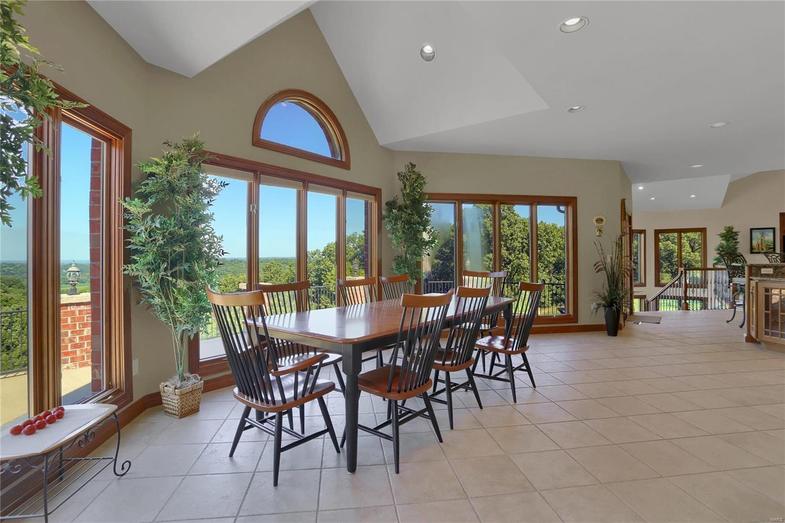 665 Forest Ridge Lane Property Photo 21