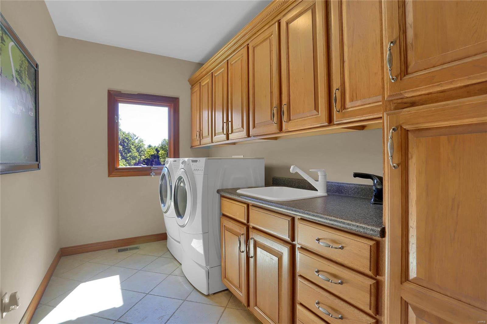 665 Forest Ridge Lane Property Photo 28
