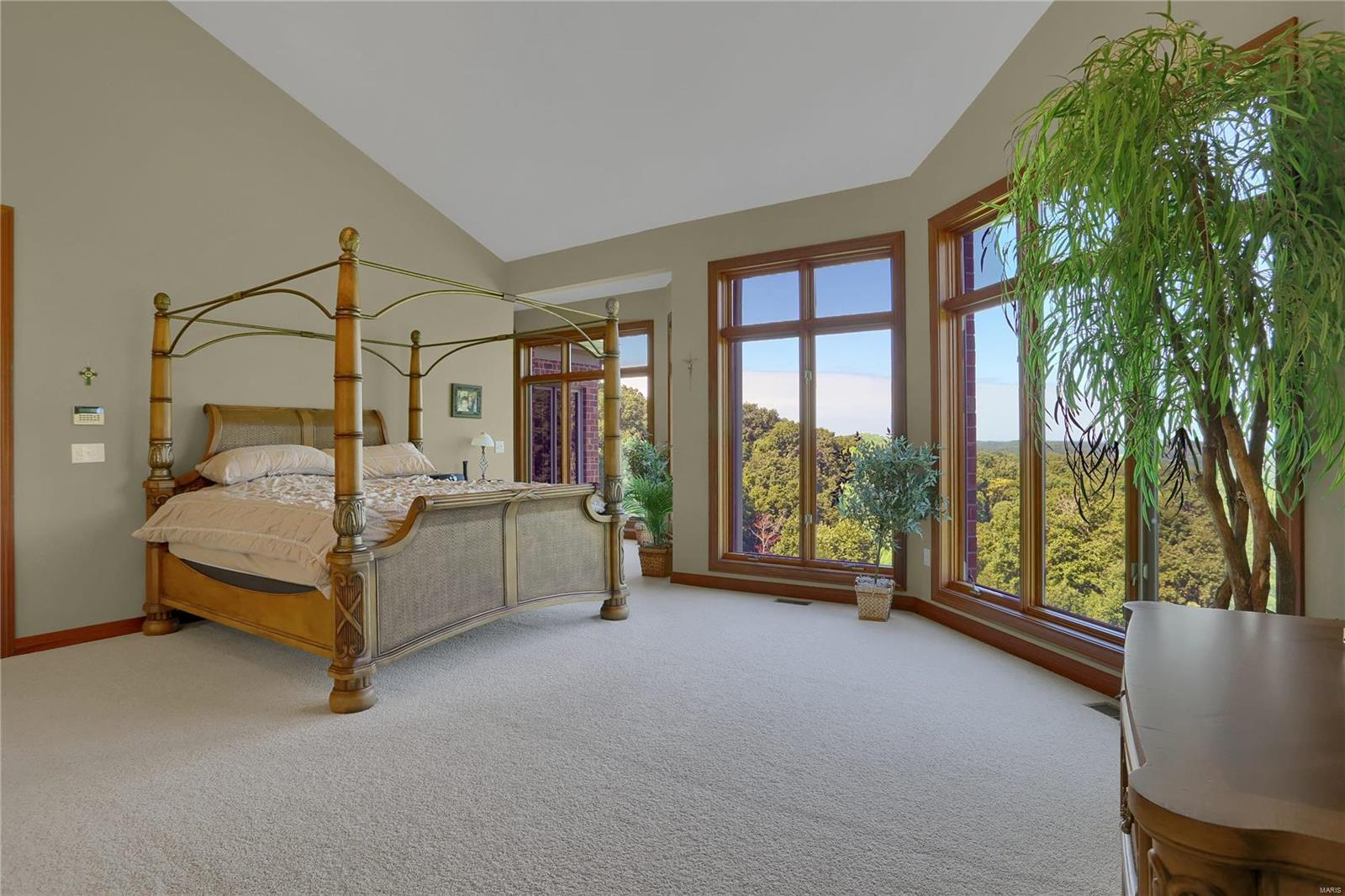 665 Forest Ridge Lane Property Photo 32