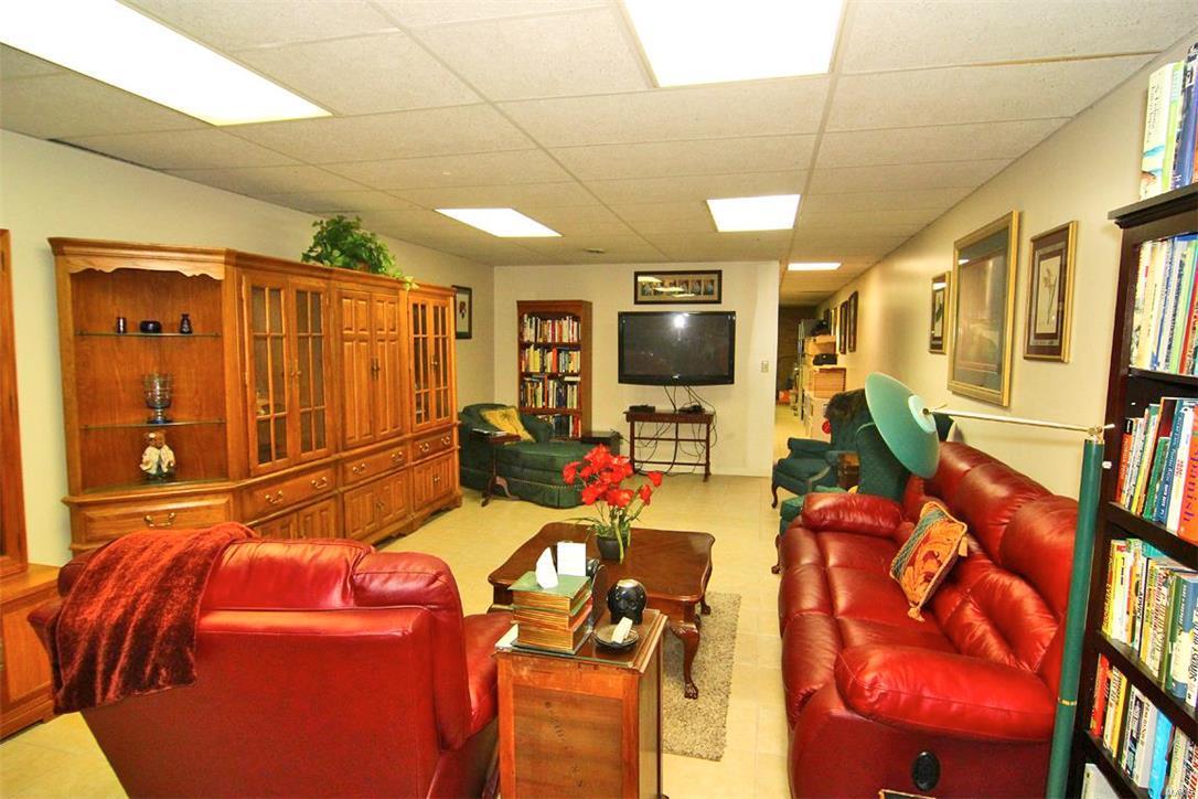 343 Graphite Lane Property Photo 24