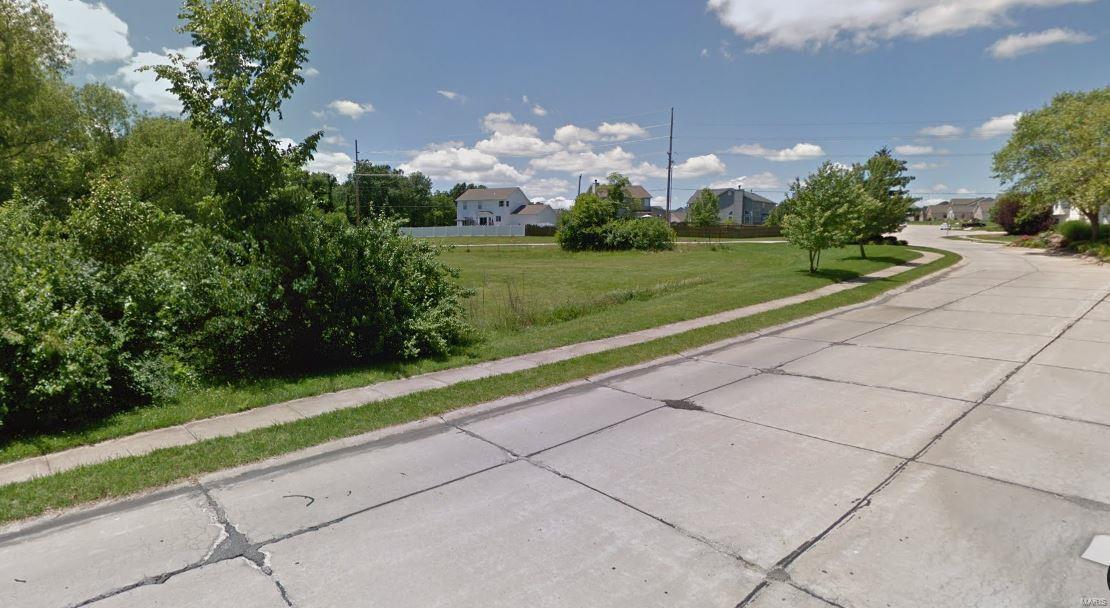 350 N Point Prairie Property Photo 3