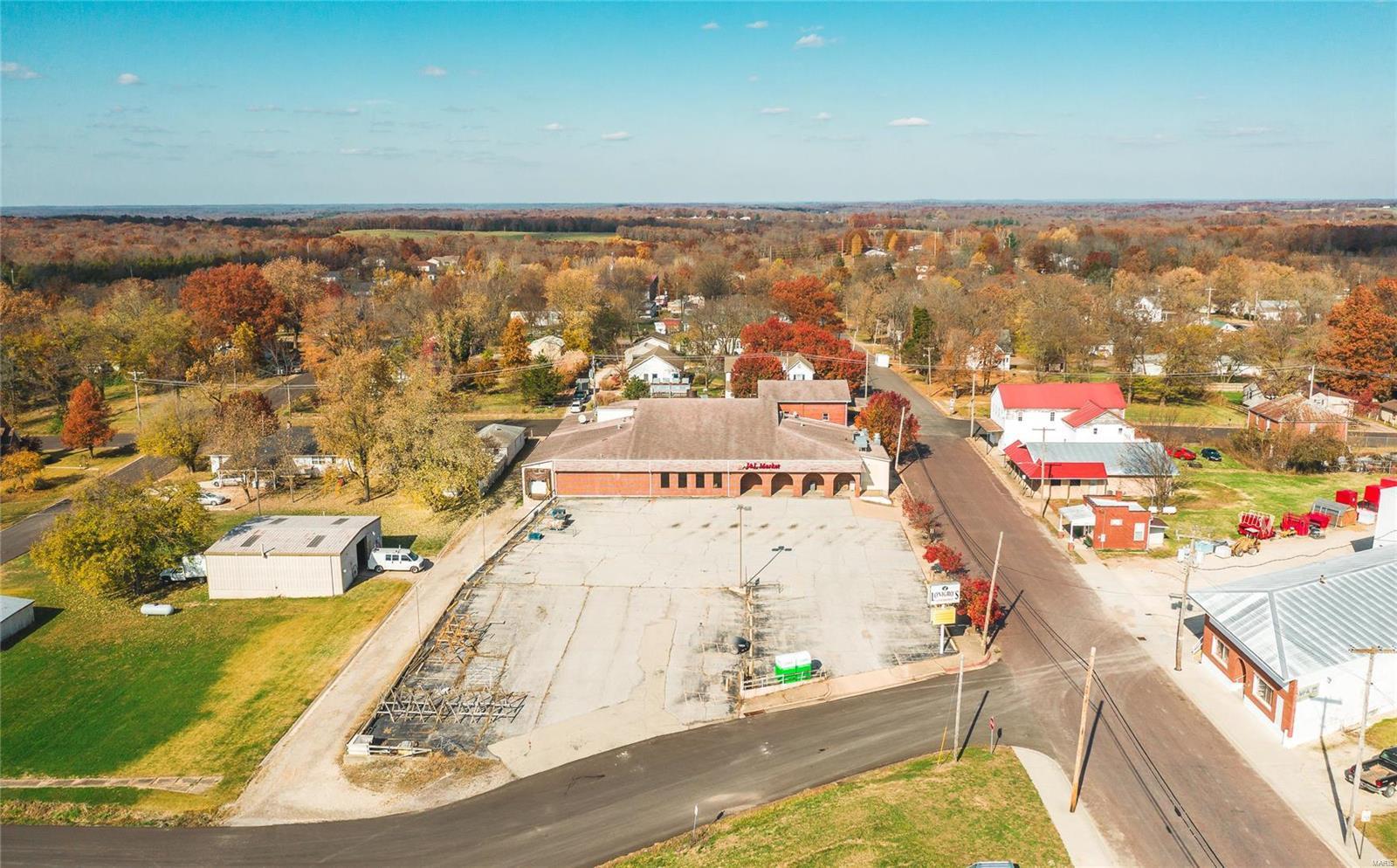 S 207 Main Street Property Photo