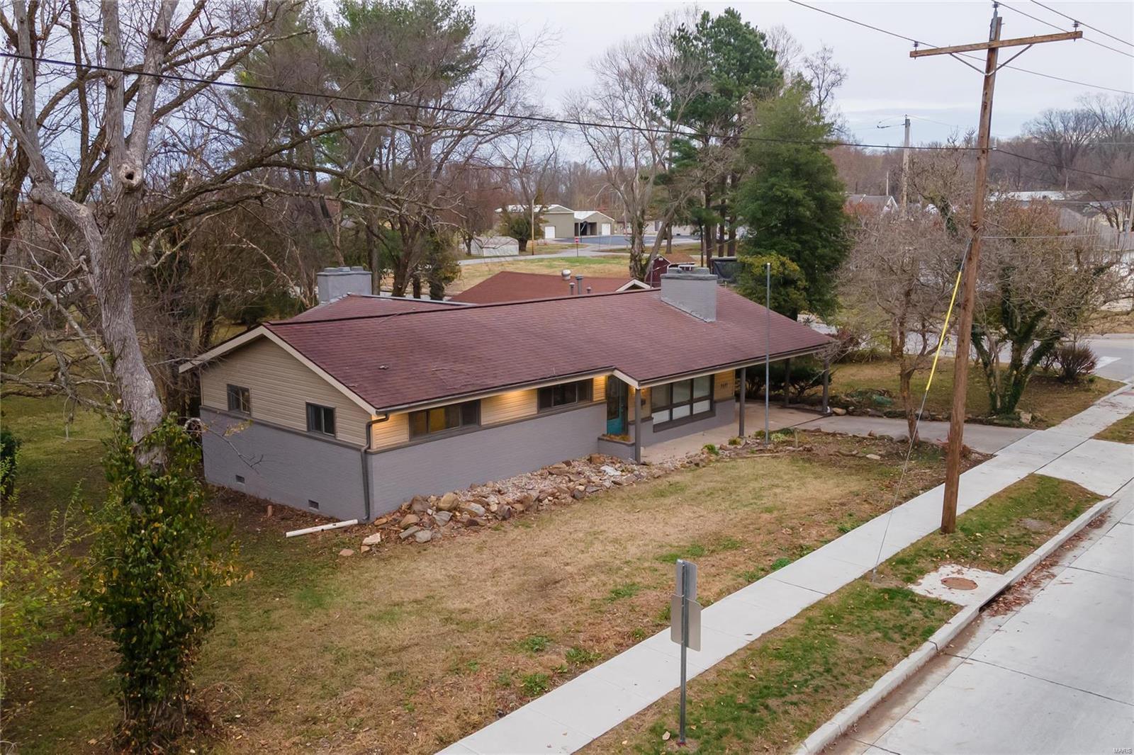 E 1411 St Louis Street Property Photo 31