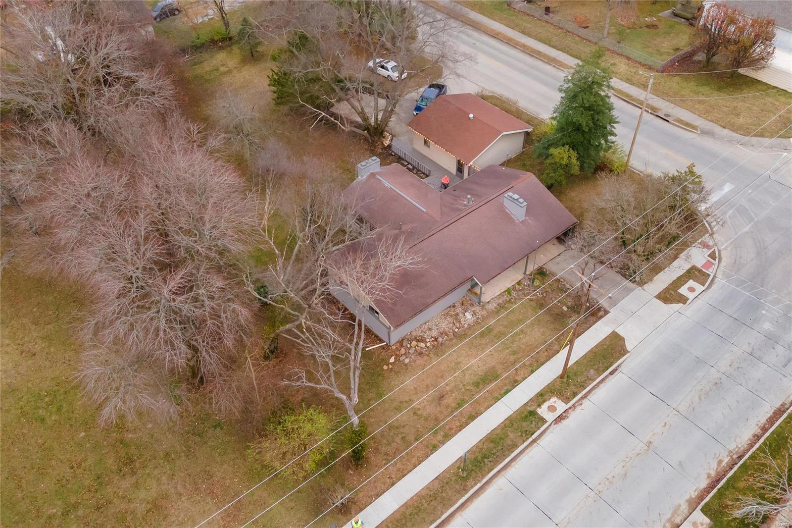 E 1411 St Louis Street Property Photo 37