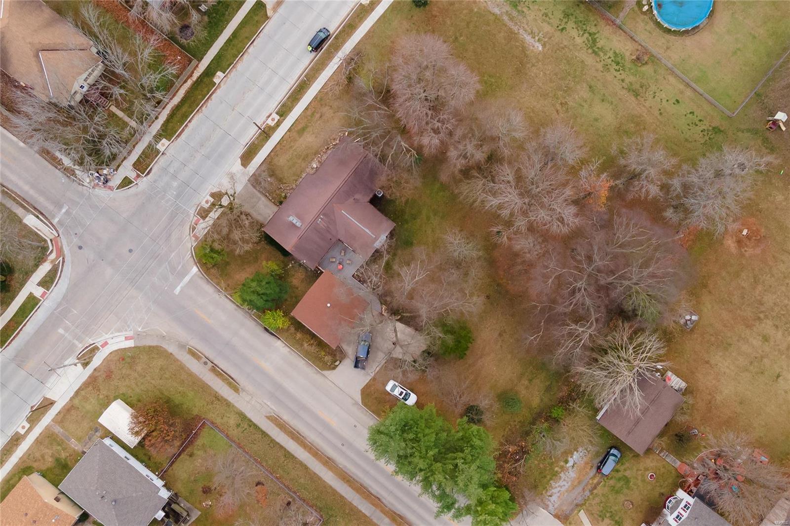 E 1411 St Louis Street Property Photo 39