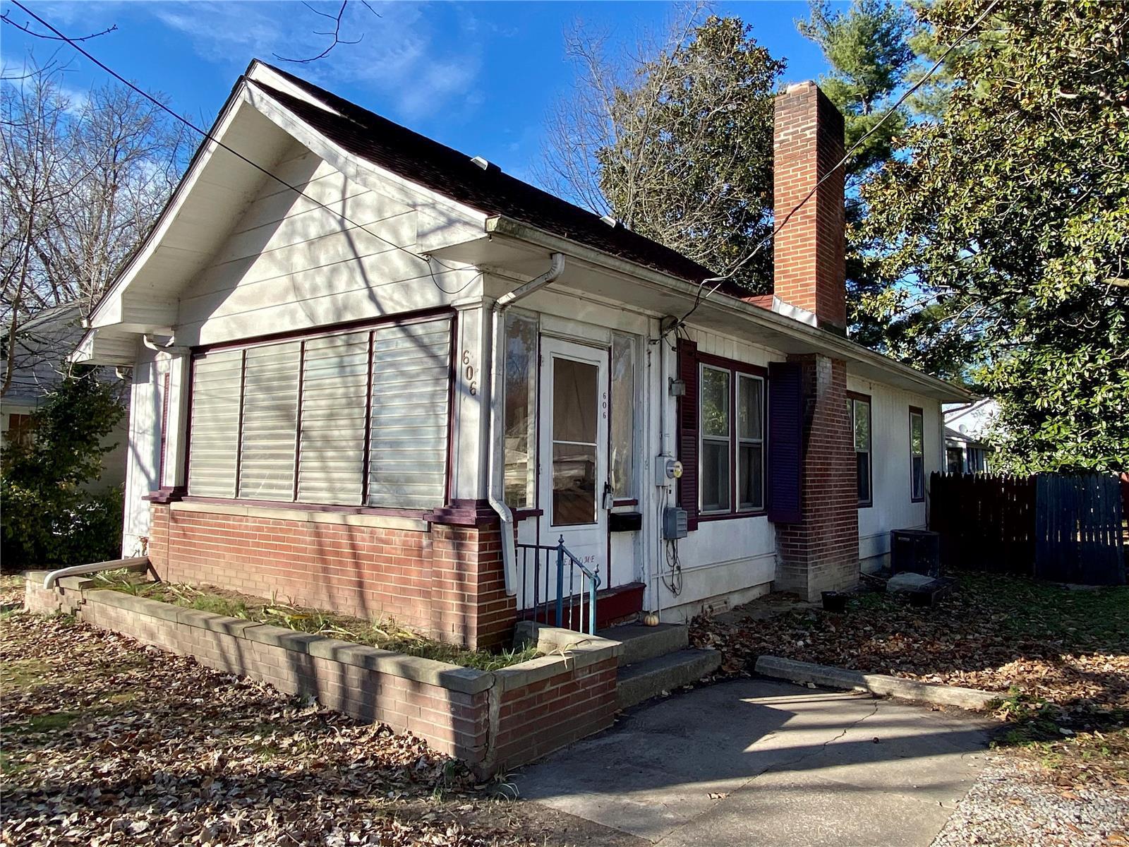 W 606 Walnut Street Property Photo 1