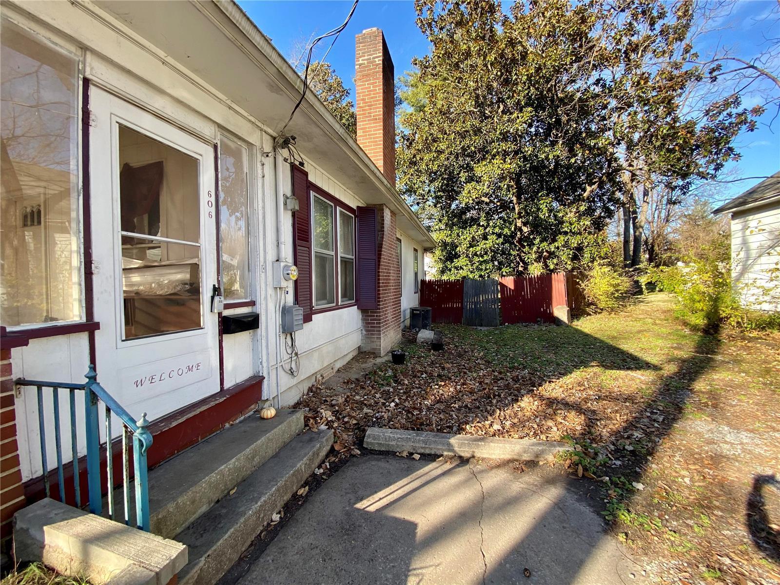 W 606 Walnut Street Property Photo 3