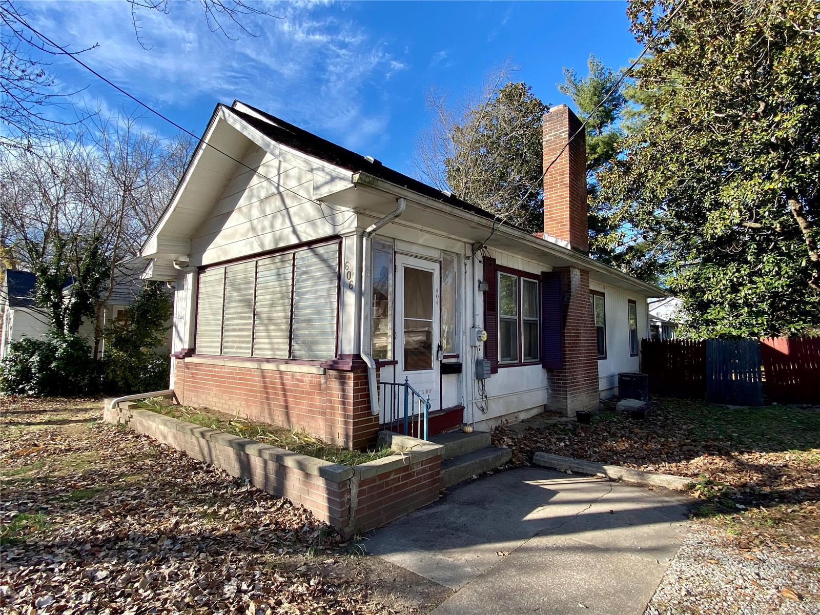 W 606 Walnut Street Property Photo 5