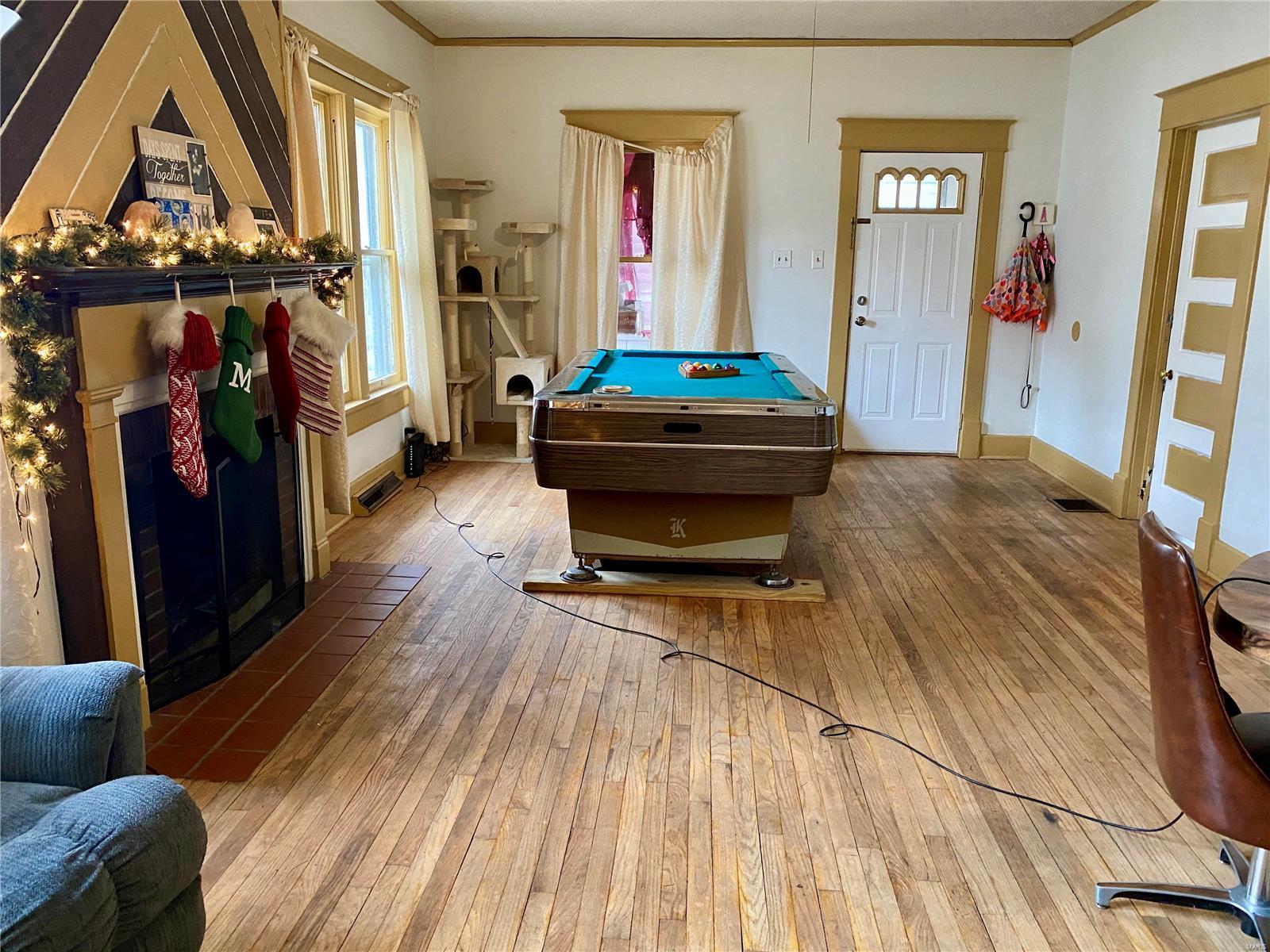 W 606 Walnut Street Property Photo 7