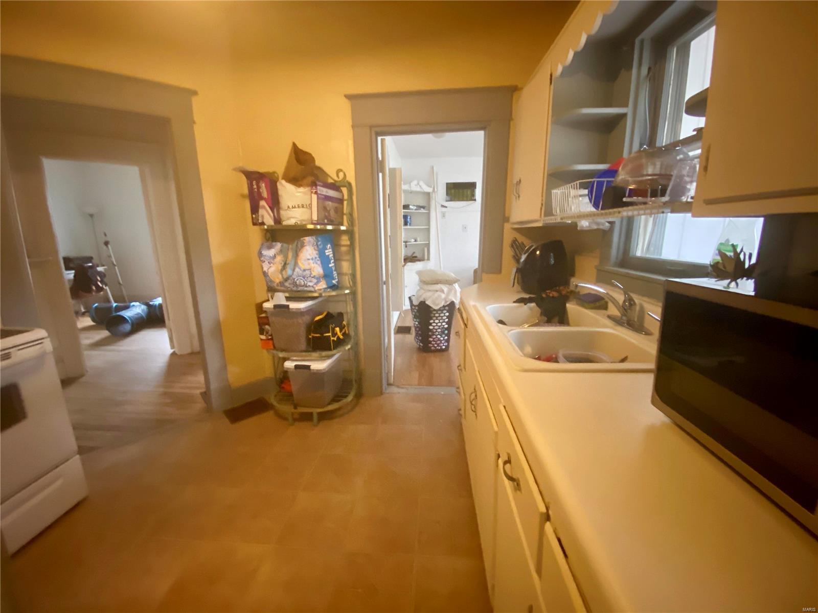 W 606 Walnut Street Property Photo 13