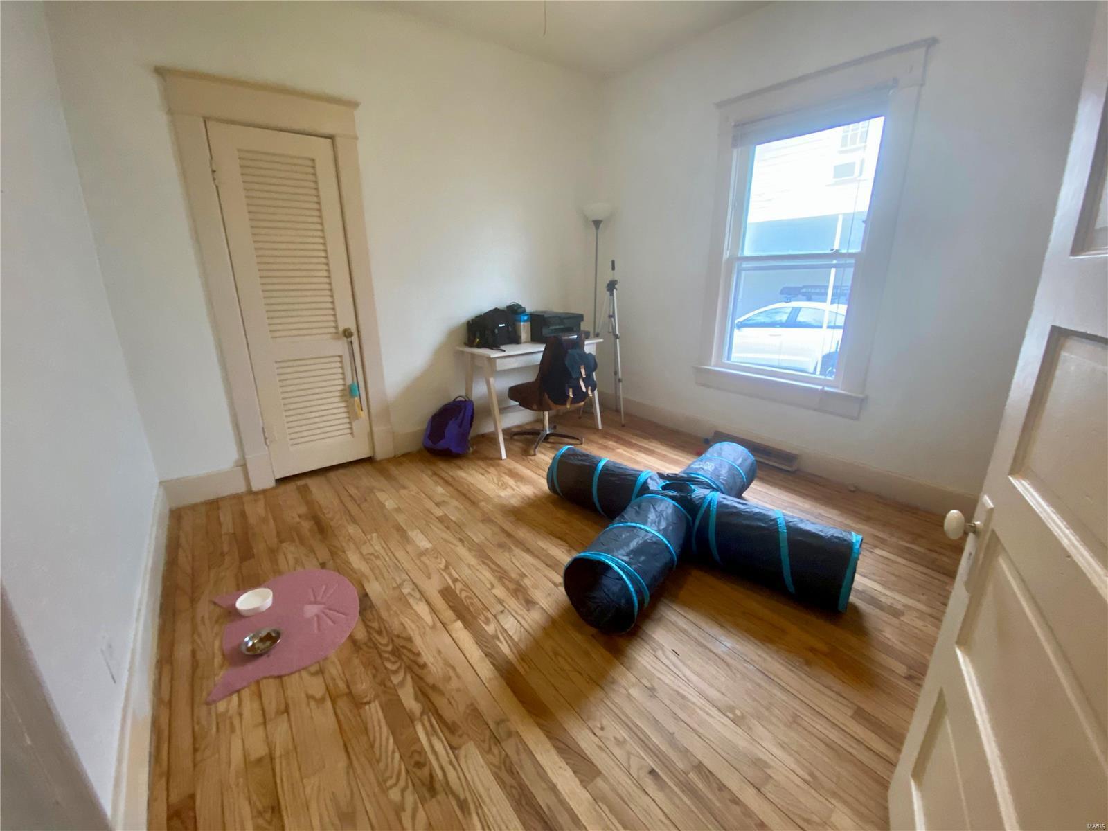 W 606 Walnut Street Property Photo 20